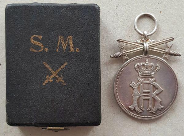Reuß, Silberne Verdienstmedaille mit Schwertern + Etui