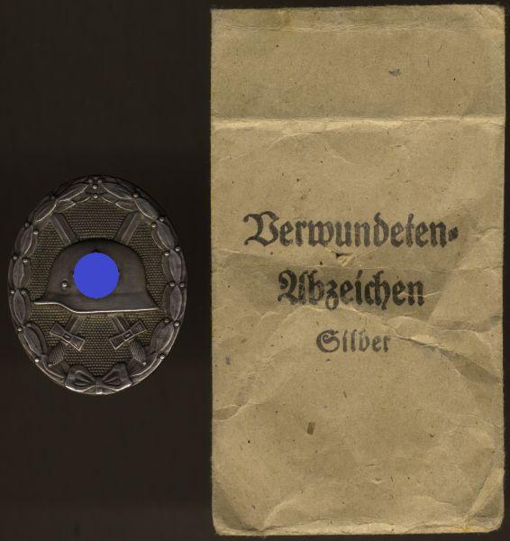 Verwundetenabzeichen 1939 in Silber mit Tüte - Hauptmünzamt Wien