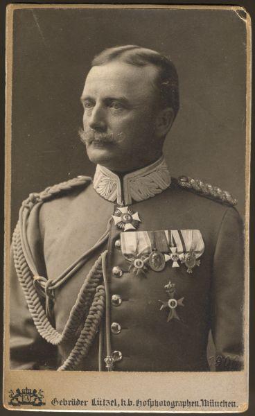 Portrait mit BayMVO Offizierskreuz 1. Modell (!)