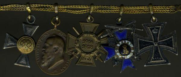 5er Miniaturenkettchen eines bayerischen Offiziers der Schutztruppe oder Marine