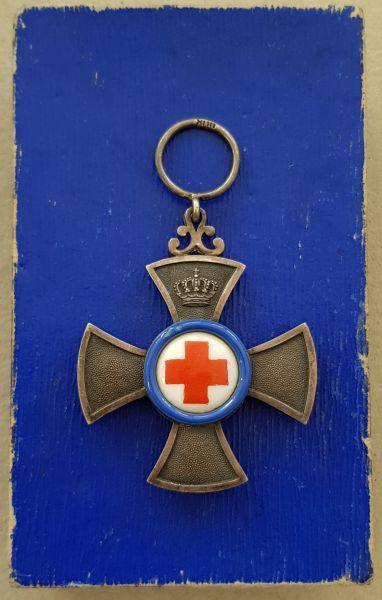 Bayern, Verdienstkreuz für freiwillige Krankenpflege mit Etui - Gebr. Hemmerle / München