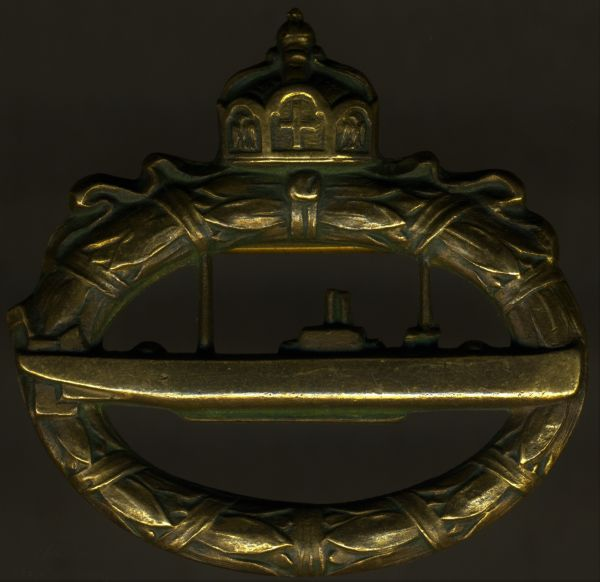 """U-Boots-Kriegsabzeichen 1918 - """"Walter Schott fec."""""""