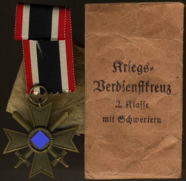 Kriegsverdienstkreuz 2. Klasse 1939 mit Schwertern mit Tüte - Gebr. Bender / Oberstein a.d. Nahe