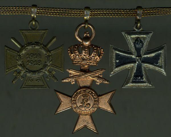 4er Miniatrenkettchen eines Weltkriegsveteranen mit Bayern