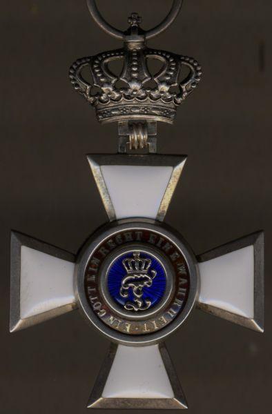 Oldenburg, Haus- & Verdienstorden Ritterkreuz 2. Klasse mit Krone