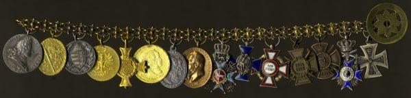 """15er Miniaturenkettchen eines Offiziers im Königlich Bayerischen 2. Chevaulegers-Regiment """"Taxis"""""""