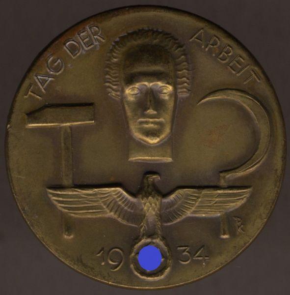 """Abzeichen """"Tag der Arbeit 1934"""""""