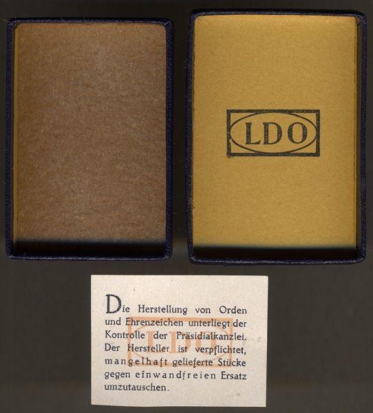"""LDO-Schachtel zum Verwundetenabzeichen 1939 in Schwarz + """"Garantiezettel"""""""