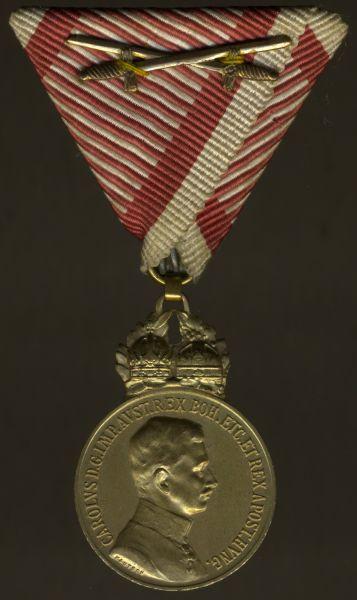 Österreich, Bronzene Militär-Verdienstmedaille mit Schwertern (Karl I.)