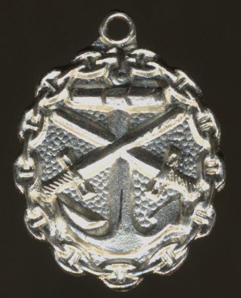 Miniatur - Verwundetenabzeichen 1918 für Marineangehörige in Mattweiß