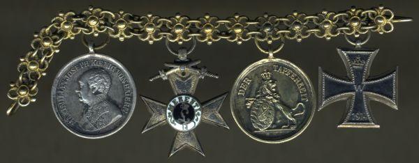 4er Miniaturenkettchen mit Goldener & Silberner Tapferkeitsmedaille (Bayern)