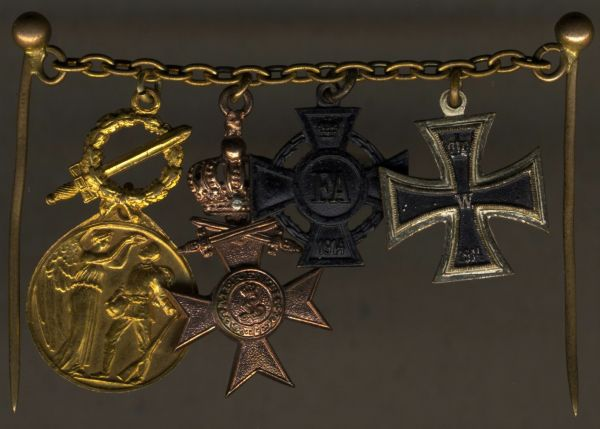 4er Miniaturenkettchen eines Weltkriegsveteranen mit Bayern & Oldenburg
