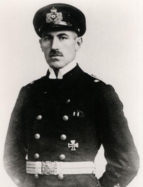 Urkundengruppe des DKiG-Trägers Korvettenkapitän Hermann Bohm - Kommandant SM U-72 (!)