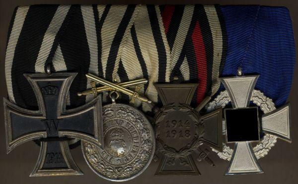 4er Ordensschnalle eines Staatsbediensteten & Weltkriegsveteranen mit Hohenzollern