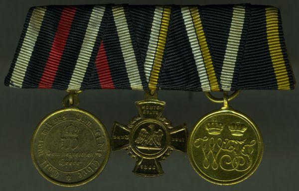 3er Miniatur-Ordensschnalle eines preußischen Veteranen der Kriege von 1864, 1866 & 1870/71