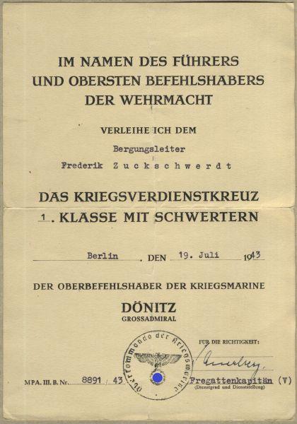 Verleihungsurkunde zum Kriegsverdienstkreuz 1. Klasse 1939 mit Schwertern - Kriegsmarine