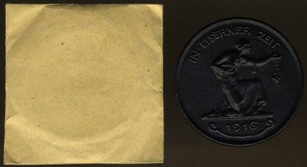"""Medaille """"IN EISERNER ZEIT 1916"""" mit Tüte"""