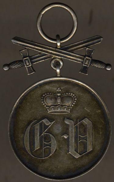 Waldeck & Pyrmont, Silberne Verdienstmedaille mit Schwertern