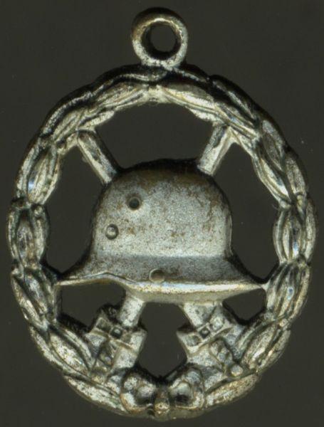 Miniatur - Verwundetenabzeichen 1918 in Mattweiß (druchbrochen)