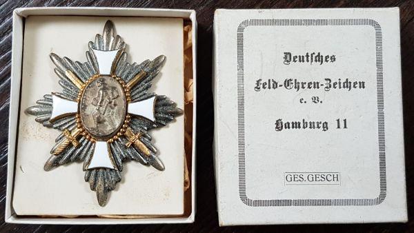 Deutsches Feld-Ehrenzeichen mit Schachtel
